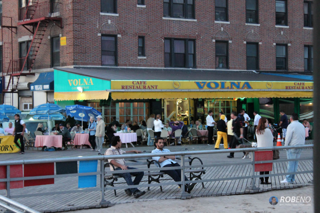 Photo: Cafe Volna, Brighton Beach, (c) Rob Eno 2015